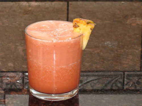 raw food photo: Strawberry Pineapple Juice!