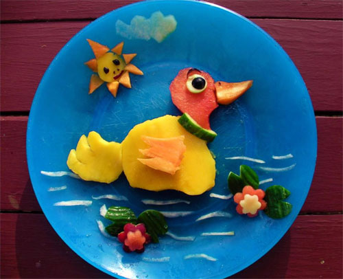 raw food photo: Duck Made of Fruit!