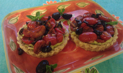 raw food photo: Mediterranean Savory Cheezcake Tarts