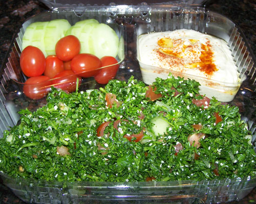 raw food photo: Tabouleh with Hummus
